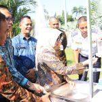Bupati Jombang Terima Bantuan Seperangkat Alat Cuci Tangan dari IKAPTK