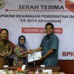 Bupati Jombang Serahkan Langsung LKPD 2019 ke BPK Jawa Timur