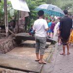 Terseret Saluran Air di Depan Rumah, Balita di Mojokerto Ditemukan Meninggal