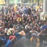 Ratusan Petani dan Mahasiswa Jember, Demo Soal Relokasi Saluran Irigasi di Puger