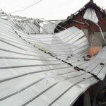 Diterjang Angin Kencang, Lima Rumah dan Parkiran Sekolah di Puri Mojokerto Rusak