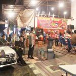 Cegah Penyebaran Covid-19, Petugas Gabungan di Blitar Merazia Kerumunan Warga dan Kafe