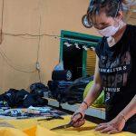 Salut, Perusahaan Konfeksi Rumahan di Mojokerto Bikin Masker dan Dibagikan Gratis