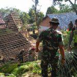 Pohon Roboh Timpa 3 Rumah Warga di Ngawi hingga Rusak