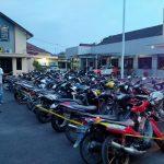 Tangkal Corona, Balap Liar di Pamekasan Dibubarkan Polisi