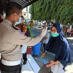 Urus SIM dan Satpas di Blitar, Warga Wajib Cek Suhu Tubuh