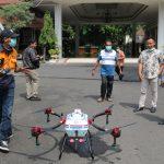 Pemkab Sidoarjo Semprot Zona Merah Gunakan Drone