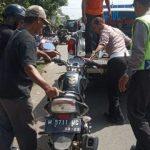 Oleng dan Terjatuh di Jalan Raya Ngantru Tulungagung, Penumpang Motor Tewas