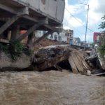 Pasca Jembatan Jompo Ambruk, Pemkab Jember Segera Robohkan 21 Ruko