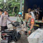 Mobil Ekspedisi PT Gunung Harta Bali, Terbakar di Jalur Pantura Situbondo