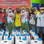 Kaukus Partai Non-Parlemen di Sidoarjo Keliling Semprotkan Disinfektan