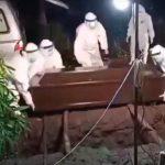 Video: Detik-Detik Pemakaman Korban Covid-19 di Sidoarjo