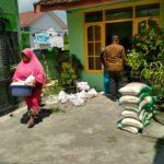 Krisis Corona, Pembagian Sembako di Gresik Terapkan Social Distancing