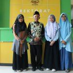 Berprestasi, Tiga Mahasiswa IAIN Madura Terima Reward Rektor