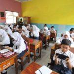 Ujian Semester, Siswa SMPN di Blitar Bisa Gunakan Smartphone