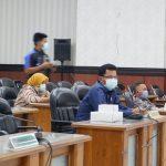 Wabah Covid-19, Rapat Paripurna LKPJ Hanya Diikuti Separuh Anggota DPRD Situbondo