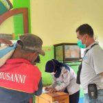 Prihatin dengan Sepinya Penumpang, UPT Terminal Ngawi Bagi-Bagi Sembako untuk Sopir