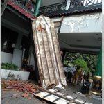 Diduga Keropos Atap Teras Pendapa Pemkab Jember Ambruk