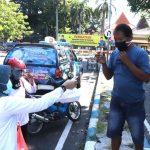 IPeKB Indonesia Cabang Kota Pasuruan Bagi-Bagi Sembako Warga Terdampak Covid-19