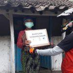 GUSDURian Lumajang Salurkan Bantuan ke Warga Lereng Gunung Lamongan
