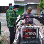 PPP Jombang Bagikan Seribu Paket Sembako untuk Warga Miskin Terdampak Covid-19