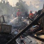 Gudang Rosok di Sidoarjo Terbakar, Pemilik Merugi Ratusan Juta