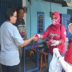 Bantu Cegah Penyebaran Covid-19, PDIP Nganjuk Bagikan Ribuan Masker dan Vitamin