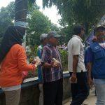 PNS Lamongan Patungan Berbagi Nasi Bungkus kepada Warga Terdampak Corona