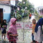Diguyur Hujan Lima Hari, Ribuan Rumah di Lamongan Terendam Banjir