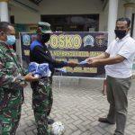 Tangkal Corona, Dandim Ngawi Beri Masker ke Satgas TMMD