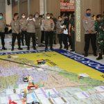 Jelang PSBB Surabaya Sidoarjo Gresik, Polda Jatim Gelar Simulasi Tactical Floor Game