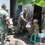 Kodim 0821 Lumajang Bagi-bagi Sembako untuk Warga Terdampak Corona