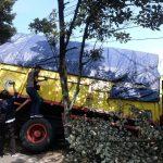 Truk Gandeng Tabrak Warung Soto Ayam di Nganjuk