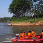 Basarnas Terkendala Air Deras dan Keruh Sisir Sungai Brantas Tulungagung