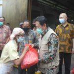 Pemkab Sidoarjo Terus Bantu Sembako, Giliran Ratusan Korban PHK Dampak Pandemi Covid-19