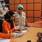 Bupati Mundjidah Wahab Launching Penyaluran BST Covid-19 Di Kantor Pos Jombang