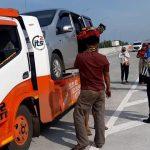 Kelabui Petugas, Pemudik dari Tangerang ke Madura Tumpangi Mobil Diangkut Truk Derek