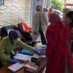 Puluhan Karyawan Pabrik di Jombang Lakukan Rapid Test