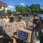 Covid-19, Mabes Polri dan Polda Jatim Bagi Beras 20 Ton di Pasuruan