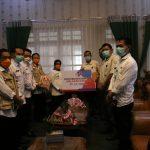 Bupati Mundjidah Terima Bantuan Paket Sembako dari PT CJI Ploso