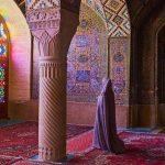 Keindahan Masjid Pink di Iran, Pantulkan Efek Pelangi Saat Pagi Hari