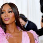 Naomi Campbell Pakai Lipstik Setiap Hari untuk Hadapi Pandemi