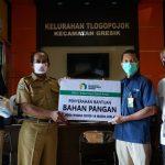 Ribuan Gakin Terima Sembako dan Masker dari Baznas Petrokimia Gresik