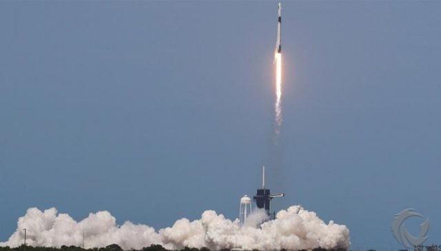 NASA dan SpaceX Luncurkan Dua Astronot ke Luar Angkasa