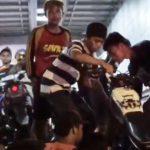Video: Razia Balap Liar, Ratusan Pemuda di Sidoarjo Diusung Belasan Truk