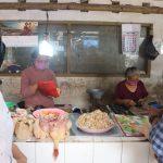 Jelang Hari Raya Saat Pandemi Covid-19, Harga Daging Ayam di Blitar Melambung