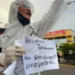 Tangkal Covid-19, Pria Pasuruan Demo Tunggal Ingatkan Pentingnya Jaga Kesehatan