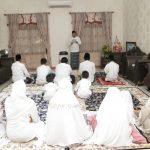 Covid-19, Jamaah Salat Id di Masjid Agung Lamongan Meluber