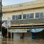 Terendam Banjir, Aktivitas Pasar Blimbing Lamongan Lumpuh