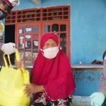 Pandemi Corona, Satlantas Polres Lamongan Bagi Sembako untuk Korban Laka